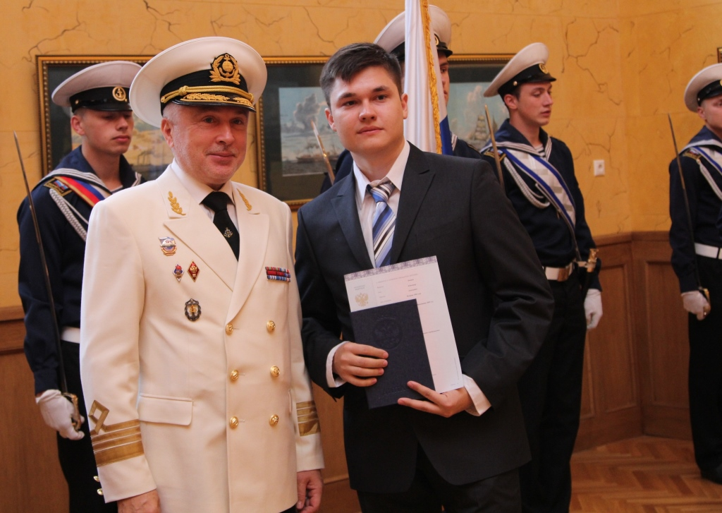 Строительство — ГУМРФ им. адмирала С.О. Макарова